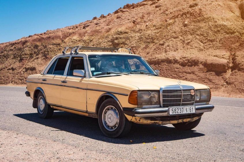 used old rusty mercedes