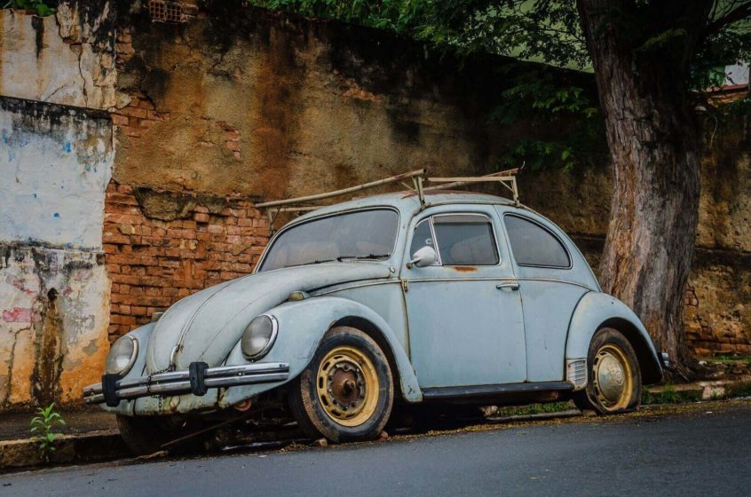 old and rusty vw beetle
